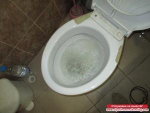 Запушен канал на тоалетна
